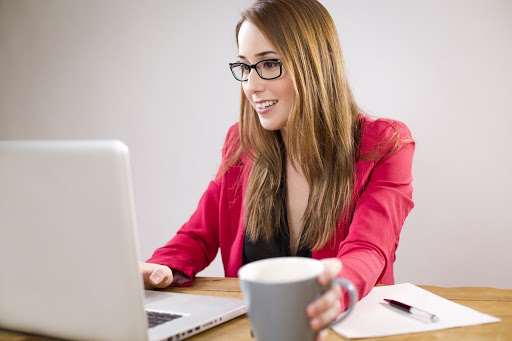 Apoya tu desarrollo profesional con un software contable