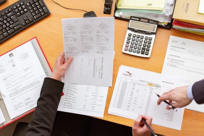 Reunión entre el cliente y el contador