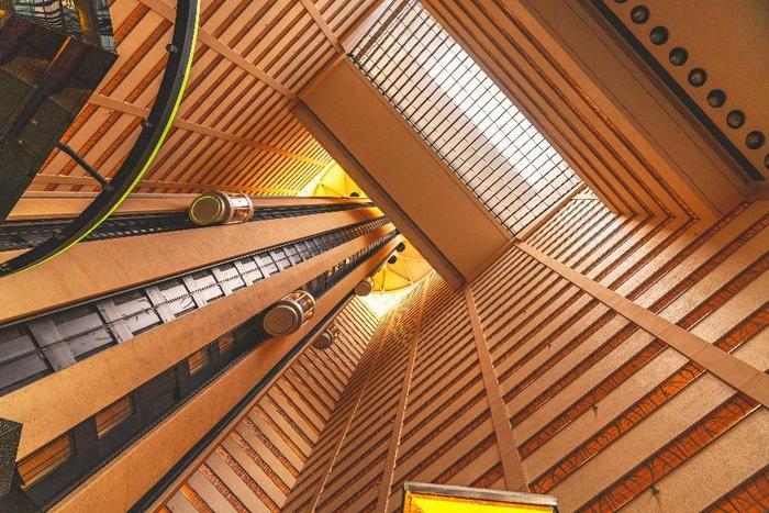 Ascensores en edificio y copropiedad